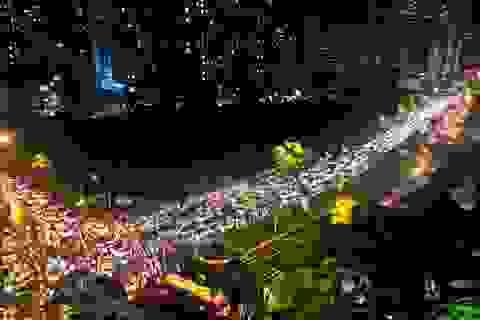 Đường phố Hà Nội ùn tắc kéo dài hàng cây số sau cơn mưa lớn chiều tan tầm