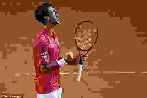 """""""Djokovic nén quá nhiều cảm xúc và Nadal dễ dàng chiến thắng"""""""