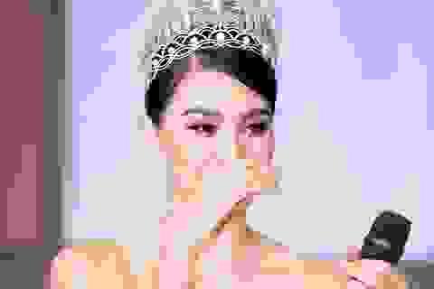 Hoa hậu Trần Tiểu Vykhóc khi chia sẻ về 2 năm đương nhiệm