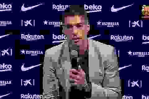 Luis Suarez rơi nước mắt khi gia nhập Atletico để đối đầu Barcelona