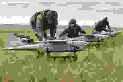"""Nga lần đầu phô diễn dàn máy bay không người lái tấn công kiểu """"bầy đàn"""""""