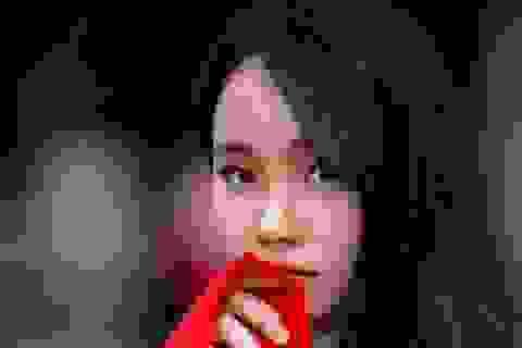 Tân cử nhân trẻ tuổi nhất ĐH Kinh tế quốc dân là Đảng viên, SV xuất sắc