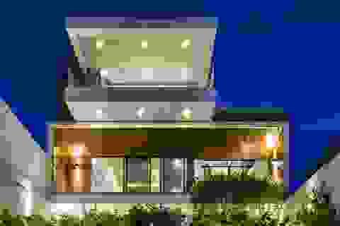 """Chiêm ngưỡng ngôi nhà tuyệt đẹp, """"ôm"""" cả thiên nhiên vào lòng ở Đà Nẵng"""