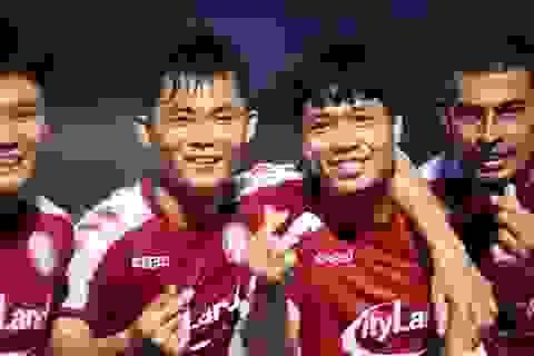 Công Phượng tỏa sáng, CLB TPHCM vươn lên thứ 3 bảng xếp hạng V-League