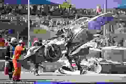 Va chạm kinh hoàng, hai tay đua xe công thức 2 thoát chết thần kỳ