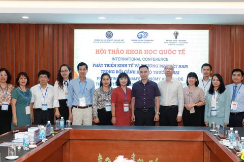 3 trường đại học tổ chức diễn đàn khoa học quốc tế bàn về bảo hộ thương mại