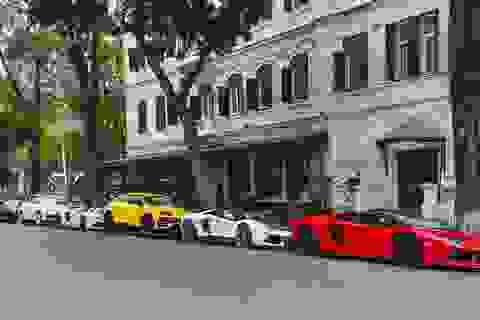 """Cuộc """"chạy đua"""" siêu xe của những người Việt không có gì ngoài... tiền!"""