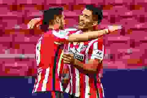 Luis Suarez lập cú đúp trong chiến thắng 6-1 của Atletico