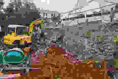 Sập bờ kè tại Phòng CSGT tỉnh, 1 người tử vong