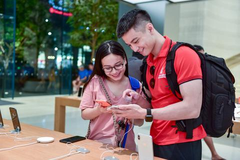 """Dân buôn Việt """"mở cờ trong bụng"""" vì iPhone 12 có thể lên kệ sớm ở Hàn Quốc"""