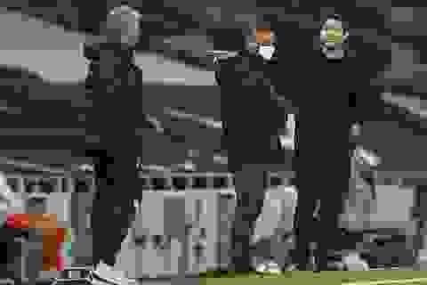 HLV Mourinho khẩu chiến dữ dội với đồng nghiệp Lampard