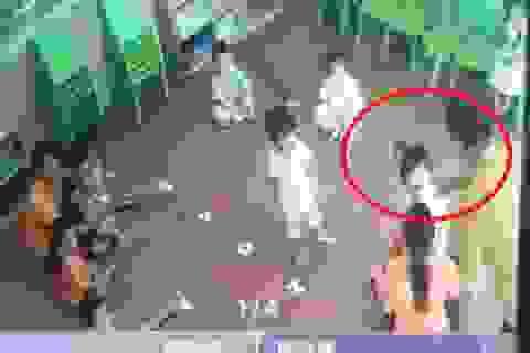 Lào Cai: Làm rõ vụ bé gái 2 tuổi bị bố của bạn hành hung