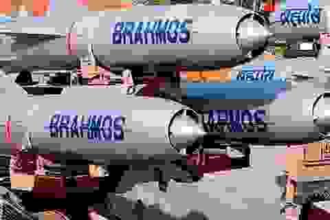 Ấn Độ đưa tên lửa BrahMos tới gần biên giới Trung Quốc