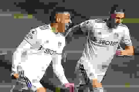 Xà ngang hỗ trợ Man City hòa Leeds United