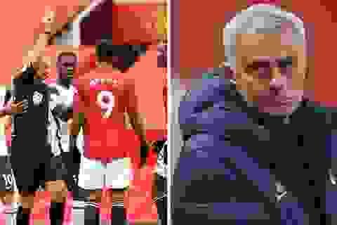"""Tuyên bố của Mourinho khiến Man Utd """"cứng họng"""""""