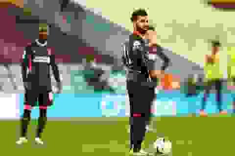"""Những khoảnh khắc khiến Liverpool trở thành """"nhà vô địch tệ nhất"""""""
