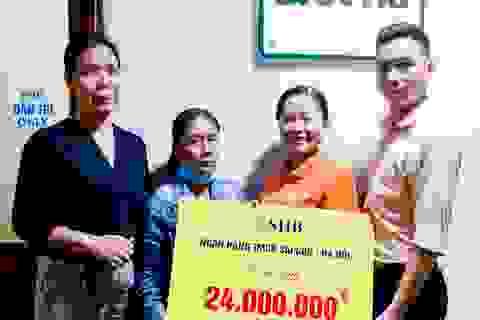 Bé gái 6 năm trời lấy viện làm nhà tiếp tục được giúp đỡ 24 triệu đồng