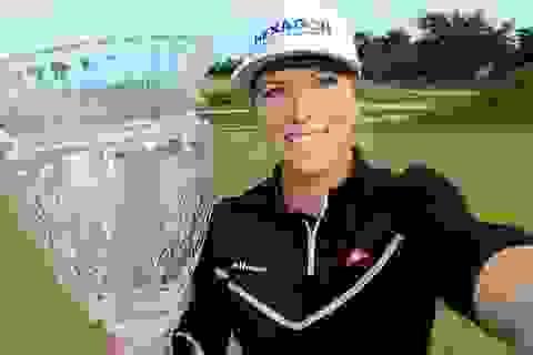 Nữ golf thủ xinh đẹp có danh hiệu đầu tiên ở LPGA Tour