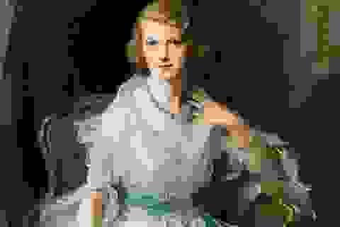Chân dung người phụ nữ thượng lưu nổi tiếng bất ngờ tái xuất
