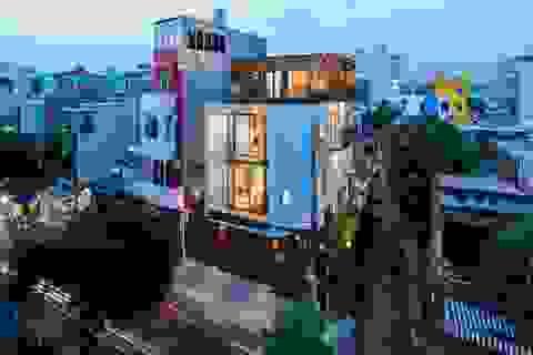 """Độc đáo nhà phố có 3 mặt tiền với cửa ra vào """"tàng hình"""" ở Sài Gòn"""