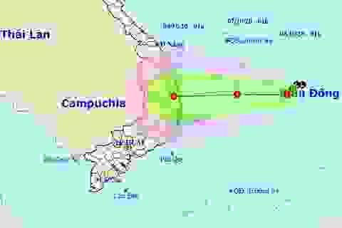 Vùng áp thấp trên Biển Đông mạnh lên, Trung Bộ mưa rất to