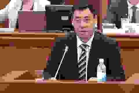 Chính trị gia được người biểu tình thả tự do trở thành Thủ tướng Kyrgyzstan