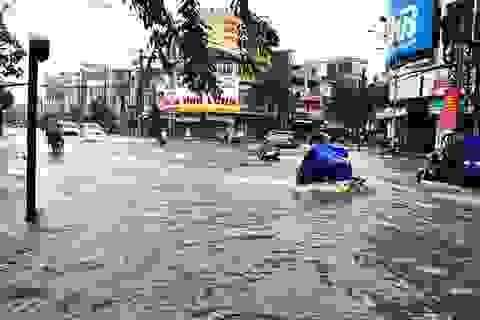 Vùng áp thấp trên Biển Đông gây mưa rất to ở miền Trung và Tây Nguyên