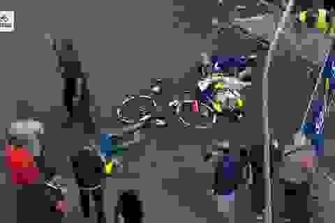 Trực thăng gây tai nạn không ngờ ở giải đua xe đạp tại Italia