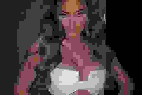 Kylie Jenner liên tục tung ảnh quyến rũ