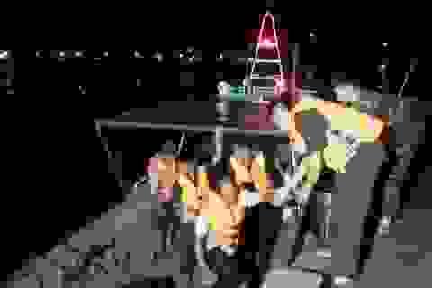 Tàu cá bị chìm do va vào xác tàu đắm vào mùa bão năm 2017