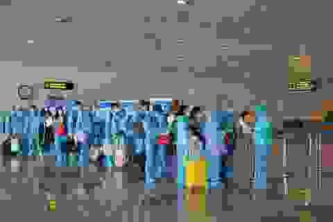Khách nhập cảnh vào Việt Nam bằng đường hàng không gặp khó khăn gì?