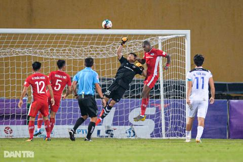 HA Gia Lai thua đậm CLB Viettel trên sân Hàng Đẫy