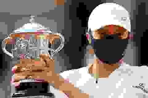 Tay vợt 19 tuổi người Ba Lan Swiatek vô địch Roland Garros