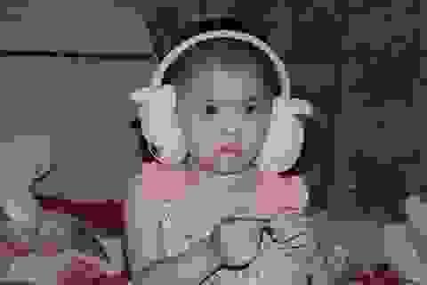 Xót xa cảnh vợ chồng nghèo cầu xin sự sống cho con gái 4 tuổi
