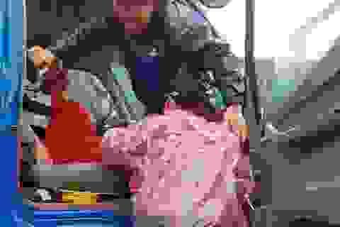 Quảng Nam: Vượt lũ hơn 20km, đưa sản phụ đến bệnh viện sinh