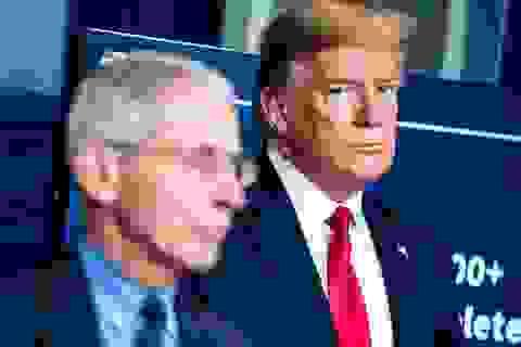"""Ông Trump gọi bác sĩ Fauci là """"thảm họa"""""""