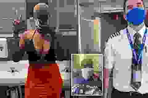Nữ hành khách bị từ chối bay vì mặc áo 2 dây