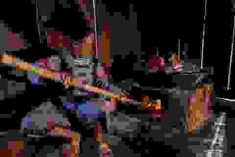Nghề làm giấy cổ truyền 300 năm của người H'Mông