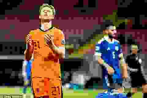Italia bị cầm hòa, Hà Lan vẫn chưa thể thắng dưới thời HLV Frank de Boer