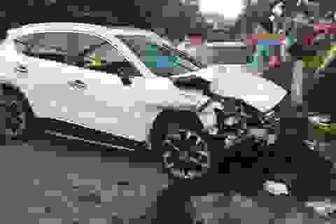 Hà Nội: Thanh niên 18 tuổi say rượu lái ô tô gây tai nạn liên hoàn