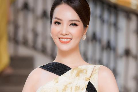 Á hậu Thuỵ Vân nói gì về tin đồn ly hôn chồng, rời bỏ VTV?