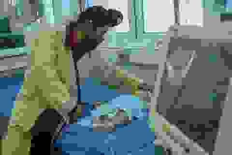 Thêm nhiều trẻ nhập viện sau khi tiêm vắc xin 5 trong 1