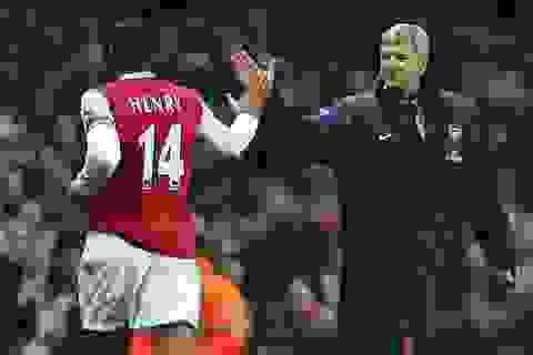 Arsene Wenger hi vọng Thierry Henry sẽ dẫn dắt Arsenal