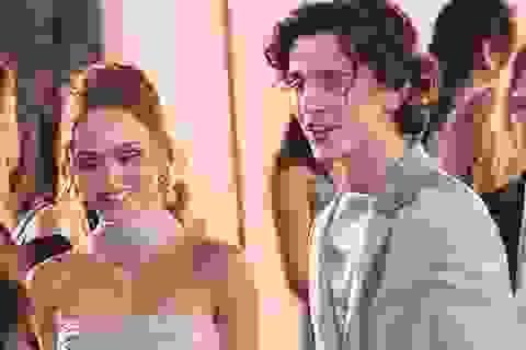 Timothée Chalamet xấu hổ vì lộ ảnh thân mật với ái nữ nhà Johnny Depp