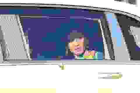Thái Lan bắt 2 người biểu tình vây xe Hoàng hậu