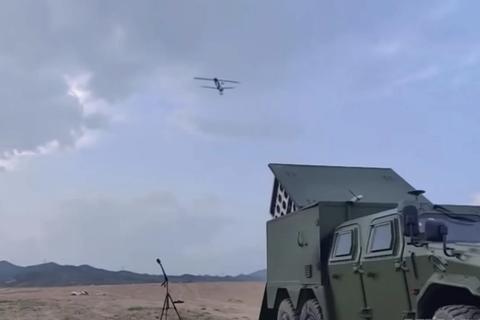"""Trung Quốc thử nghiệm máy bay không người lái tấn công tự sát """"bầy đàn"""""""