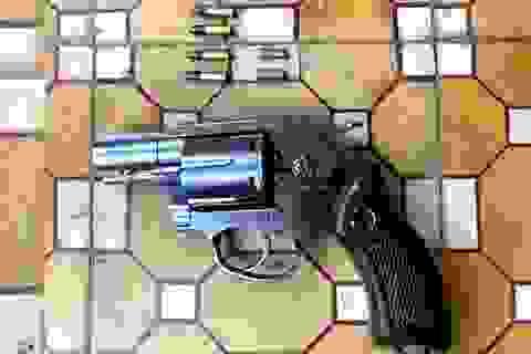 Bị quỵt tiền, mang theo súng đi đòi nợ
