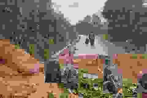 Quảng Trị: Lở núi ở đơn vị quốc phòng, 22 cán bộ, chiến sĩ bị vùi lấp