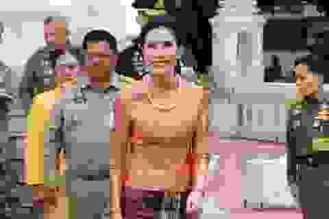 Hoàng quý phi Thái Lan tái xuất sau 1 năm bị phế truất