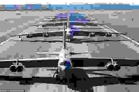 """Dàn máy bay B-52 Mỹ tập trận """"Voi đi bộ"""""""
